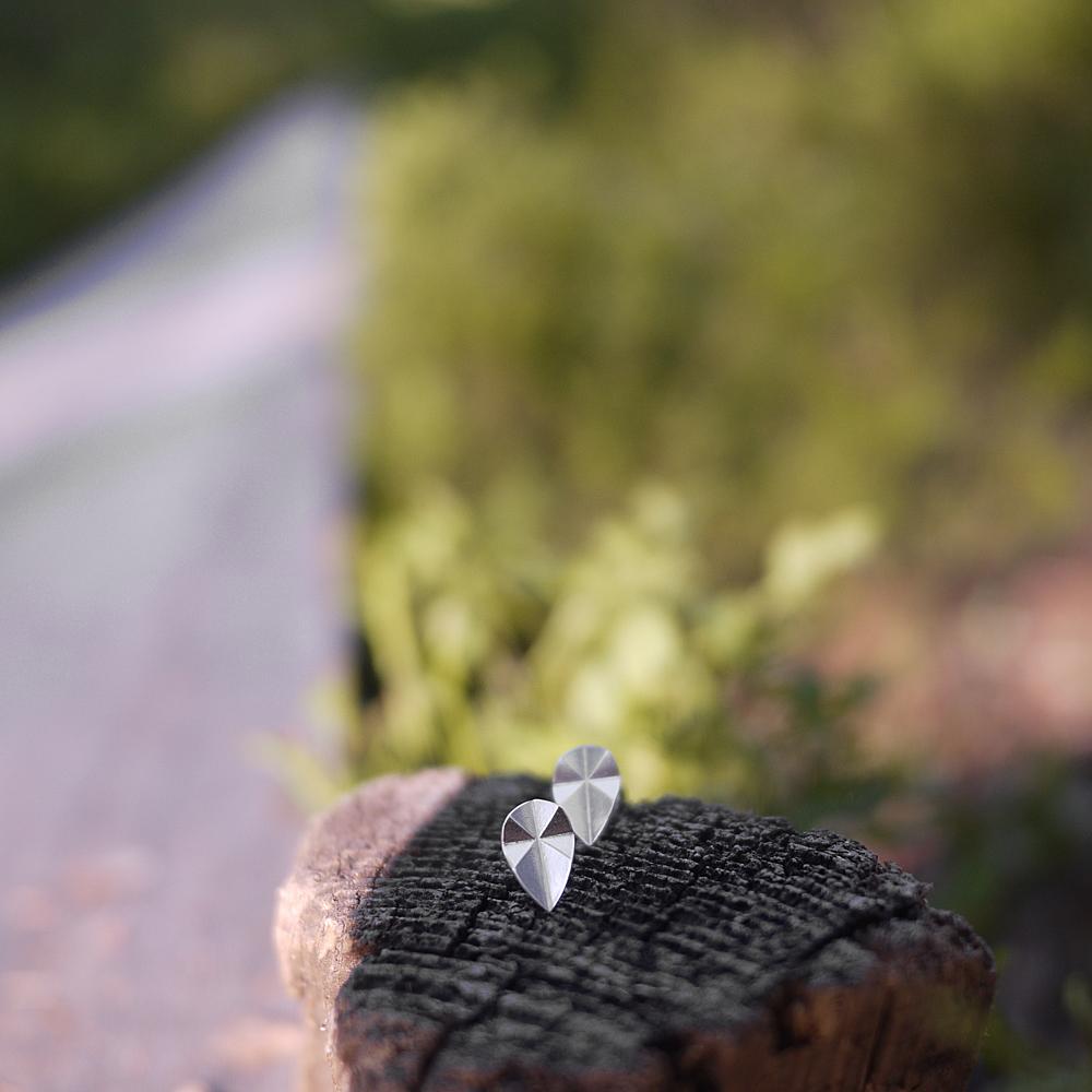 Elämän tie - Tappikorvakorut